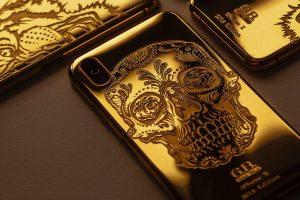 Des accessoires iPhone avec une tête de mort
